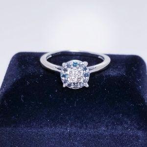 10k white gold blue & white diamond halo ring